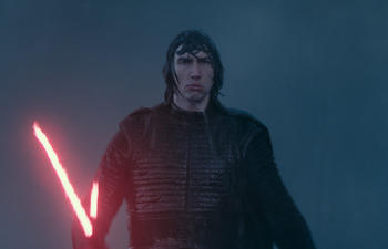 Box-office nord-américain : Star Wars reste indélogeable