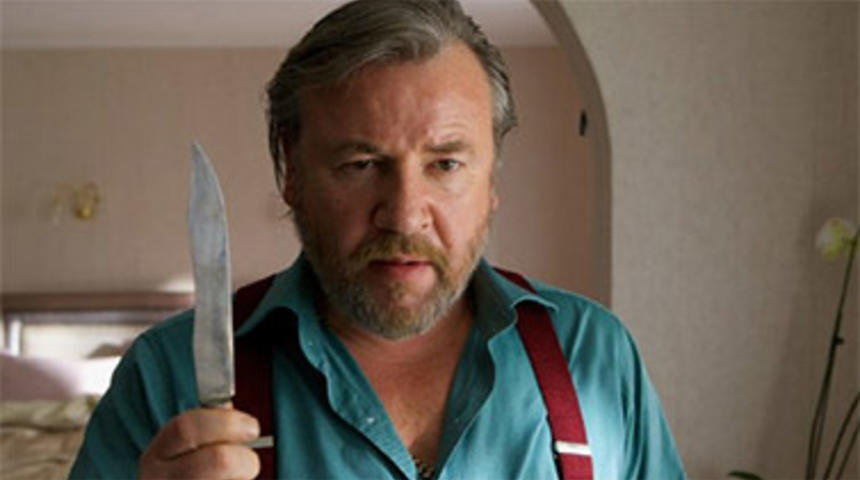 Ray Winstone sera Pappas dans le remake de Point Break