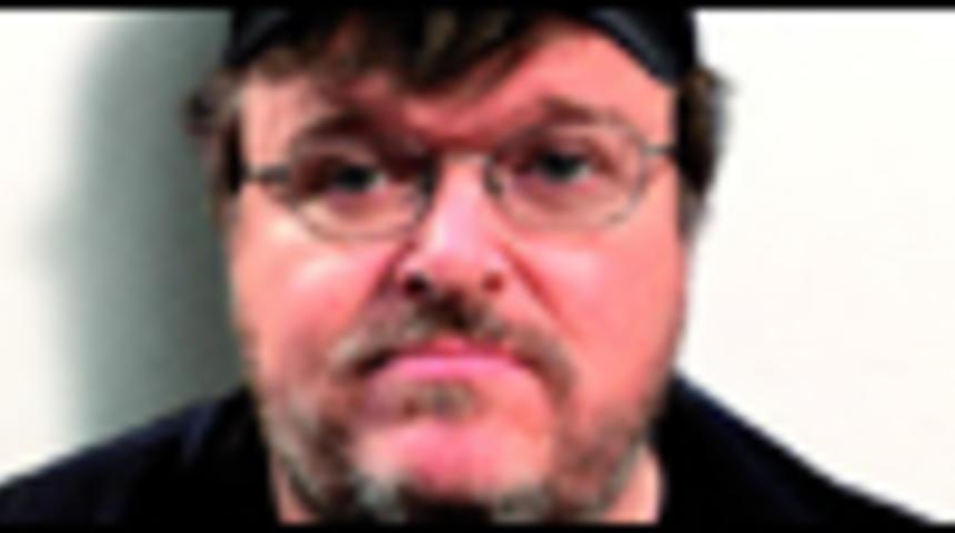 Affiche en français de Sicko de Michael Moore