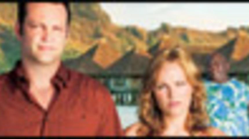 Affiche en français de la comédie Couples en vacances