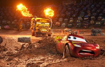 Flash McQueen dans de sales draps dans la bande-annonce en français de Les bagnoles 3