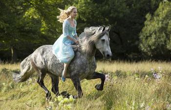 Première bande-annonce pour Cinderella