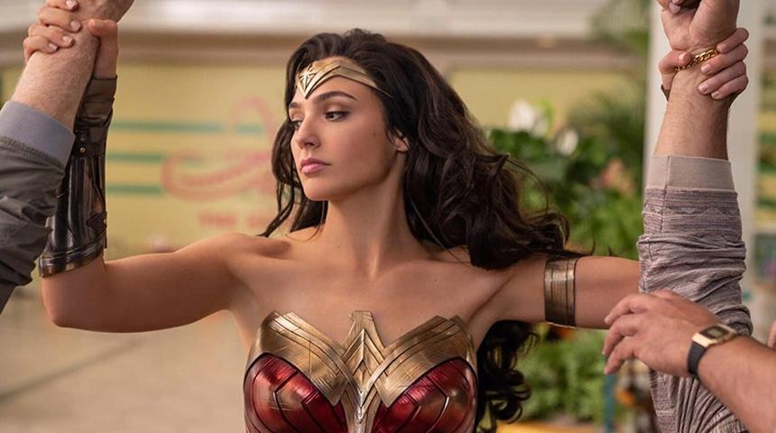 Warner repousse la sortie de Wonder Woman 1984