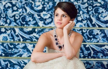 Selena Gomez acquiert les droits du roman The Sky Is Everywhere